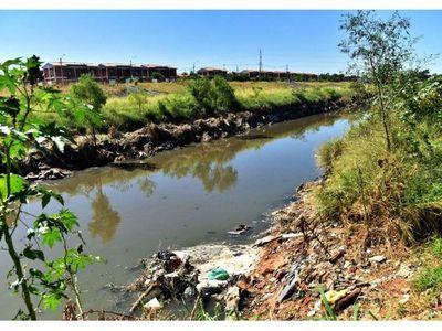 Mayoría de cursos hídricos  en capital llegan a umbral crítico por basuras