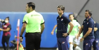 Rodrigo López: 'Me parece que cambió todo con la expulsión'