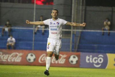 Nacional castiga duro a Cerro Porteño