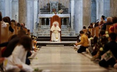 El papa Francisco se reunió con víctimas de ISIS en Irak