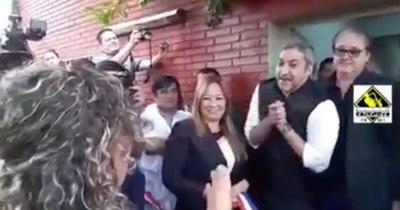 """La Nación / """"Te dije que no cumplirías tus 5 años de gobierno y te burlaste"""", dice concejala a Abdo Benítez"""