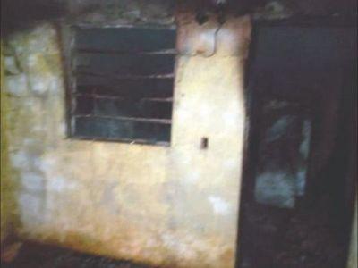 Borracho argel le pegó a su concubina y quemó la casa