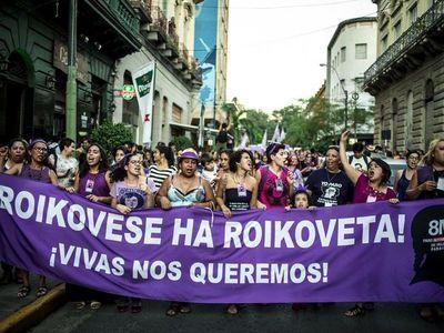 8M: Mujeres se unen a manifestación en su día