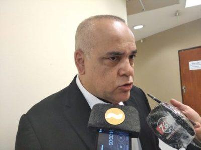 """Bachi señala a Samaniego en negociado de medicamentos: """"No lo digo yo, lo dice el doctor Rivarola"""""""