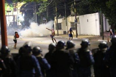 """Crónica / Ya no quieren a """"tavychokuéra"""" en protestas"""