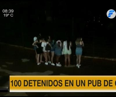 100 detenidos en pub de Ciudad del Este
