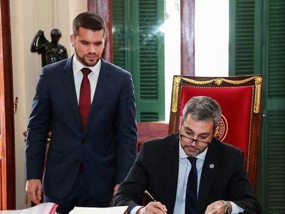 Hernán Hutteman es designado como nuevo jefe de Gabinete