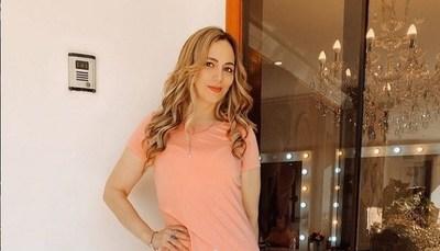 Clara Franco feliz de volver a su primera profesión; el canto