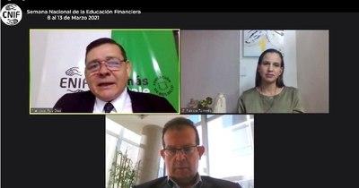 La Nación / Educación financiera es clave para mejorar bienestar del hogar, asegura experto de Hacienda