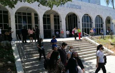 Evacúan Palacio de Justicia ante amenaza de bomba