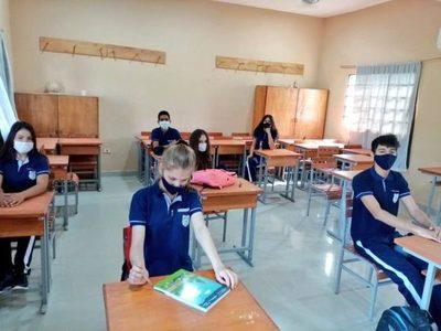 Suspenderían clases presenciales en Asunción, Central y Alto Paraná
