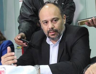 Julio Rolón renuncia a Viceministerio de Salud