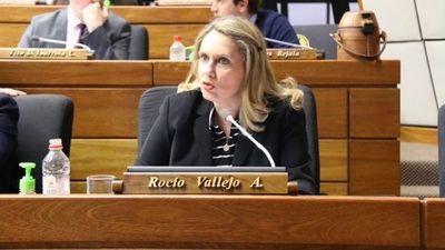 «Sin los votos colorados no hay juicio político», afirma diputada.
