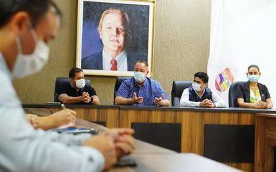 Gobernador pide que se responda a reclamos de la gente, y dice que no conviene al país el juicio político