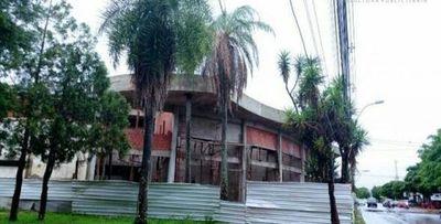 """Rotundo rechazo a la propuesta presentada por el concejal Ever Salinas en denominar el  estadio municipal de """"Roberto Ramón Acevedo Quevedo"""""""