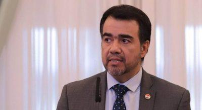 Ministro señala que las perspectivas económicas positivas se mantienen