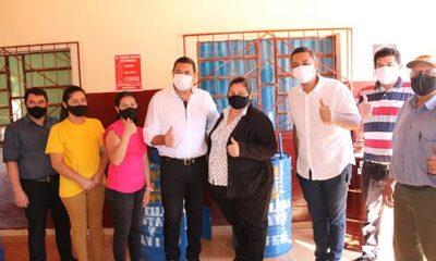 Gustavo Cardozo y Javier Bernal donan lavamanos a escuelas en el Este del país – Diario TNPRESS