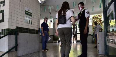 Colegios privados no ven necesidad de suspender clases presenciales