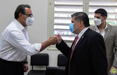 Alerta roja en Asunción y Central por cifras récord de Covid-19 •