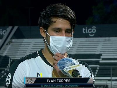 Iván Torres se muestra decaído por la derrota en casa