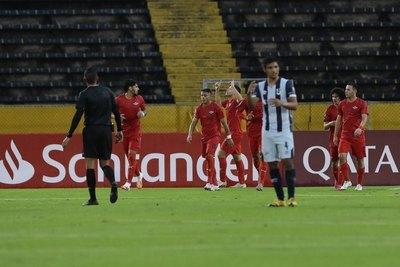 Un 'misil' de Bogarín le da a Libertad un triunfazo de visitante en la Copa