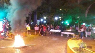 En Itapúa hubo movilización a favor y en contra del Gobierno
