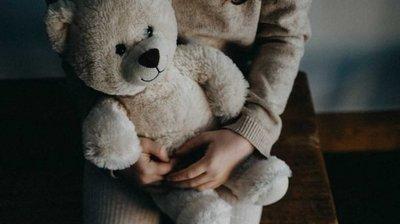 Rescatan a niña que era abusada por el padre, un pastor y una mujer