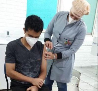 En Pedro Juan, Funcionarios de salud comenzaron a vacunarse contra el Covi-19