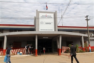 Ministra Cecilia Pérez cambia a director de Penitenciaría Nacional de Tacumbú