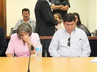 Corte confirma condena de ex comisario y su esposa
