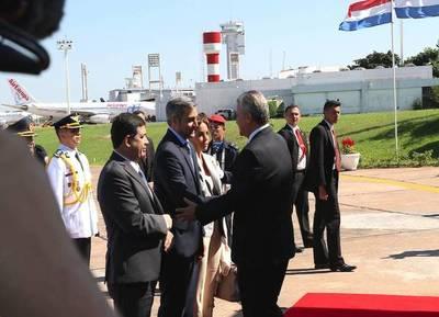 """Ya """"fuera"""" del Gobierno, Juan Ernesto Villamayor estuvo con Abdo en el Comando en Jefe"""