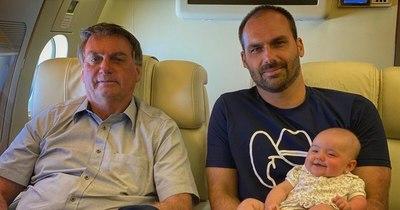 La Nación / Hijo de Bolsonaro se ofusca en polémica sobre el buen uso de tapabocas