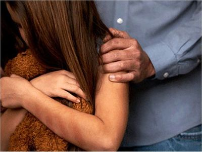 Detienen a un hombre sospechoso de abusar de sus dos hijas