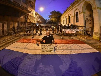 La ciudadanía protesta por séptimo día contra la corrupción
