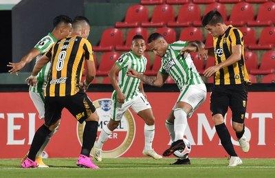 Crónica / Guaraní jugó mal y perdió muy bien