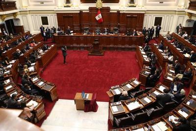 El Congreso de Perú ratifica decisión de fijar topes a las tasas de interés