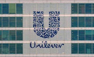 Unilever promueve la belleza inclusiva y elimina la palabra normal de sus productos