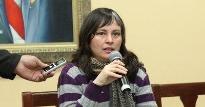 La Nación / Mercedes Canese justifica aumento salarial en el Senado