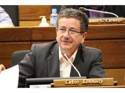 Abdo cambia de ministros, pero «conserva el equipo y la jugada corrupta»