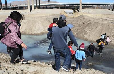 EEUU pidió ayuda a una agencia de emergencias para atender el aumento de niños migrantes