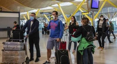 Argentina insta a no realizar viajes, tras llegada de un vuelo de Cancún con más de 40 contagiados