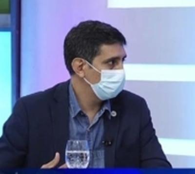 """Covid: """"Los doctores ya no damos abasto"""", dice médico del UTI"""