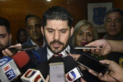 """""""Internas"""" en ANR: """"Nenecho"""" ataca al Gobierno y el precandidato abdista a la Intendencia le responde"""