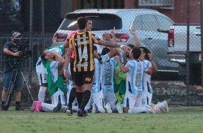 ¡Guaireña golea a Guaraní y alcanza la punta del torneo!