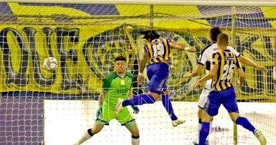 La Nación / Luqueño reaccionó, remontó y goleó al campeón