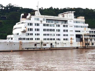 Proyectan instalar un hotel casino flotante en las aguas del río Paraná