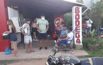 En Itá, policías intervienen en un torneo de fútbol femenino