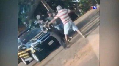 Violenta reacción de conductor contra personal caminera
