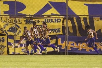 Sportivo Luqueño remonta y golea al Decano