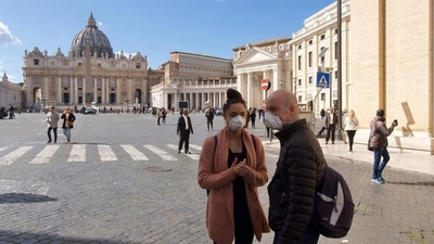 Italia se prepara para otro confinamiento y París lo contempla por avance de coronavirus